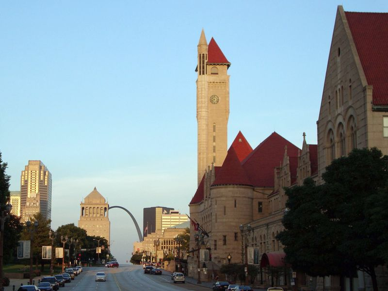 St. Louis Arch and Union Station Hotel Marriott