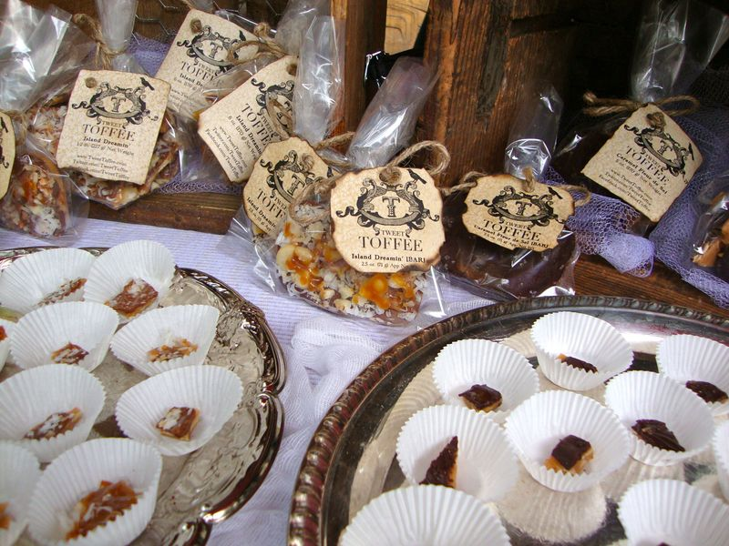 Tweet Toffee, Seattle Square, weddings, candy buffet, favors, custom, all natural