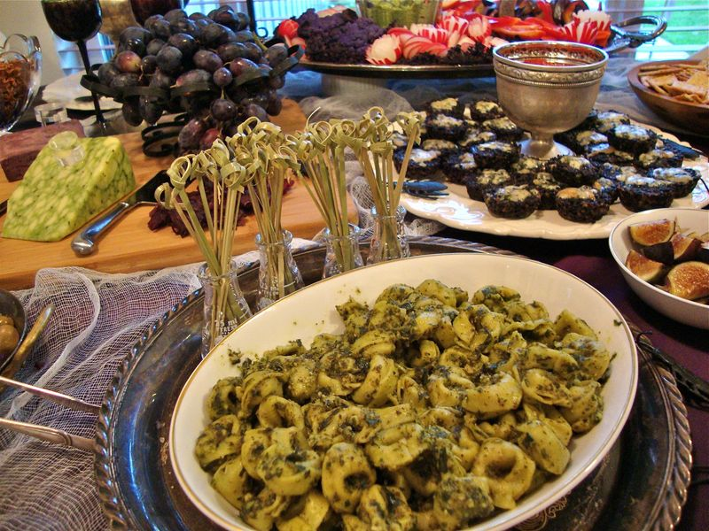 Halloween food, pesto tortellini