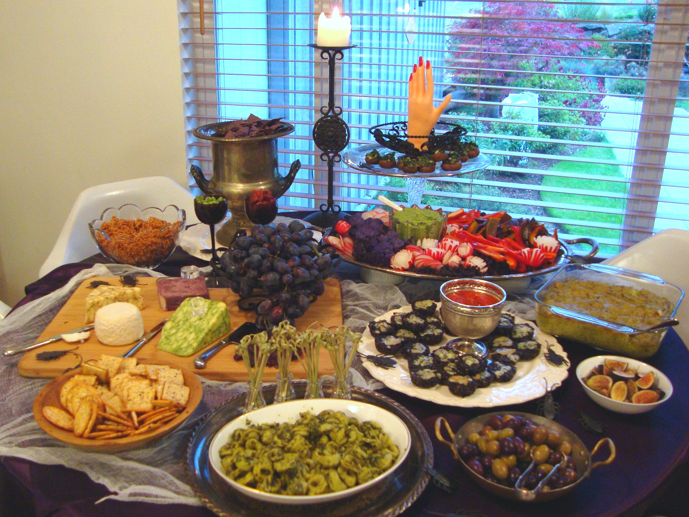 Halloween Cocktail Party Ideas Part - 15: Halloween Cocktail Party Buffet