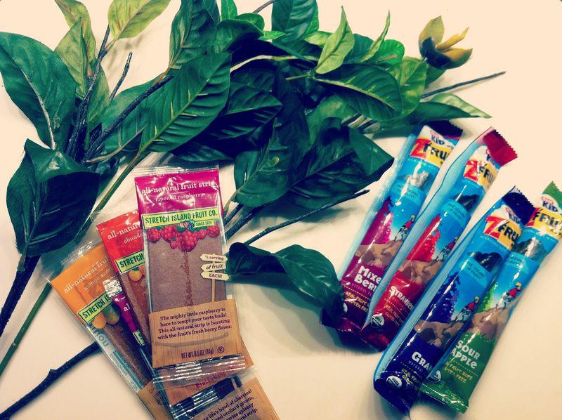 Supplies for DIY fruit snack flower bouquet