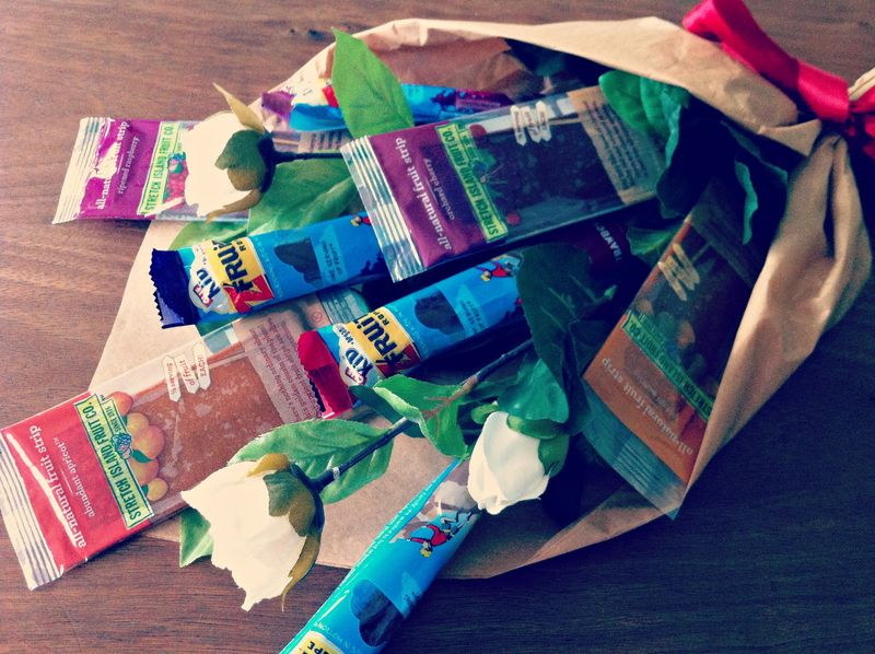 DIY fruit snack flower bouquet