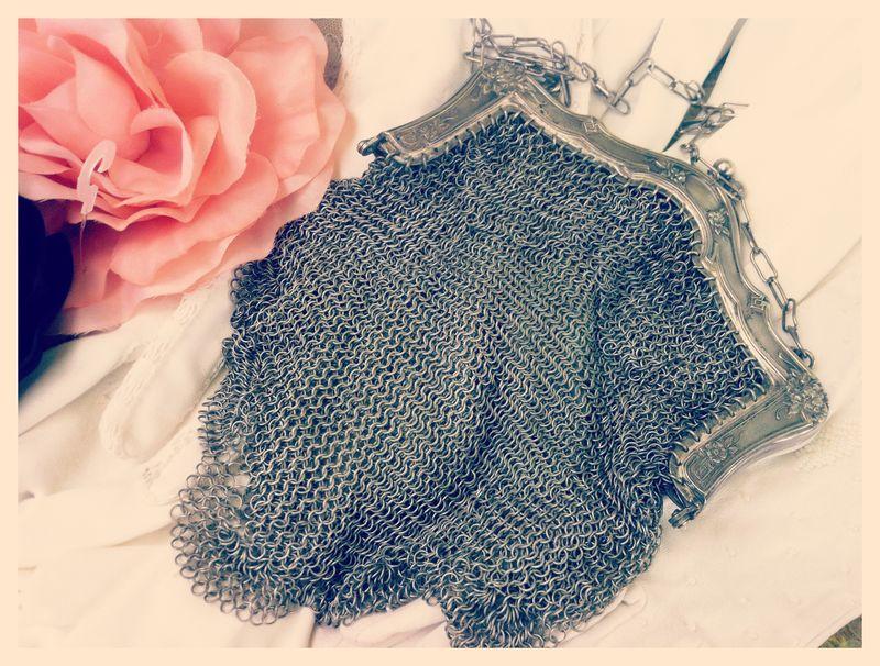Art Deco Victorian German Silver mesh purse...so pretty!  Love the frame and the scalloped edge.
