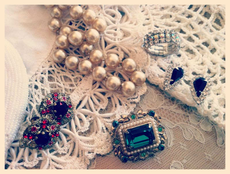 Pretty thrifted jewels...