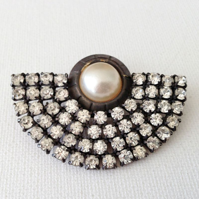 Stunning Art Deco brooch!