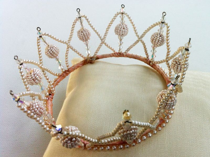 Vintage pearl wedding crown...so cute for a 1950s inspired bride...or just to wear around town.  Who doesn't deserve to wear a crown?