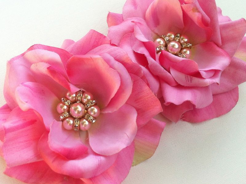 Gorgeous recycled flowers with vintage pearl centers...yum!