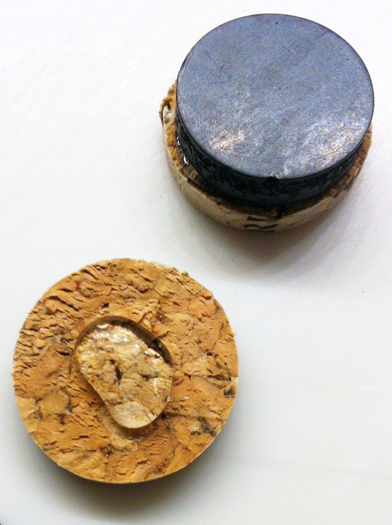 How to make wine cork magnets