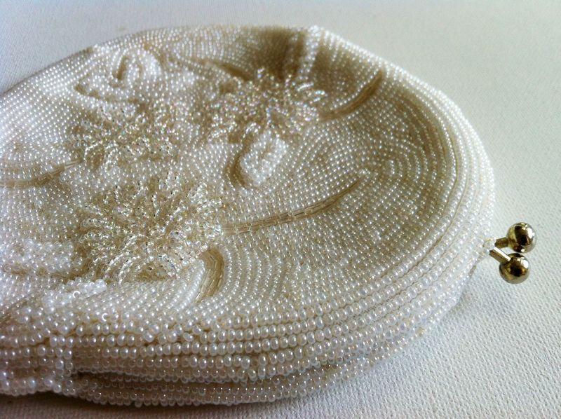 Gorgeous vintae white beaded purse...perfect bridal purse.