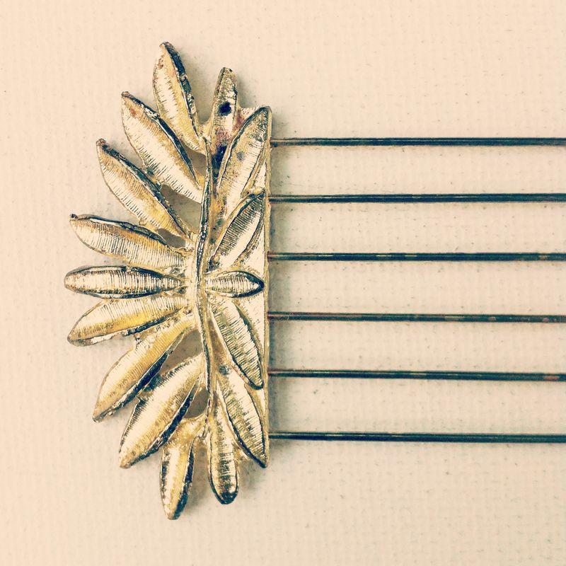 Vintage Gold Comb, Hair Lift