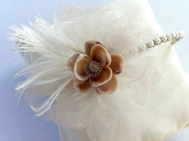 Gorgeous! This vintage sea shell fascinator headband is perfect for a beach wedding!