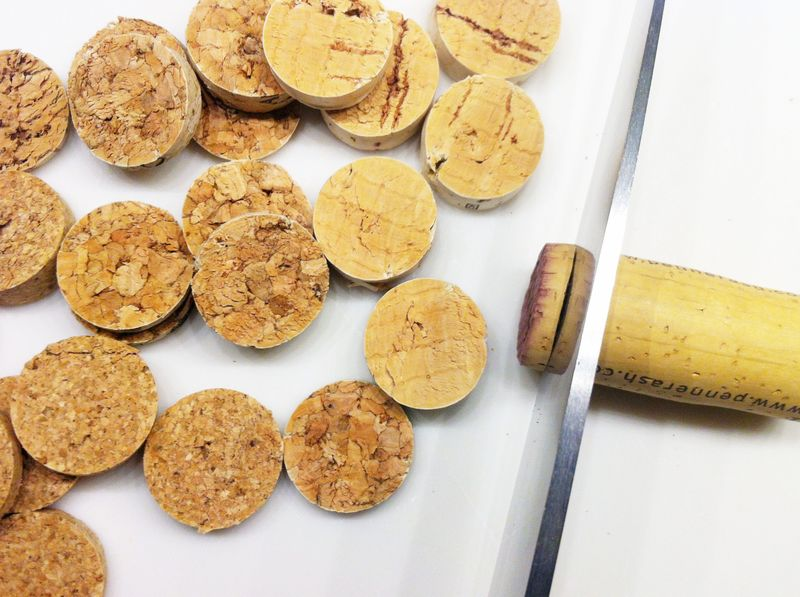 How to slice corks for crafts