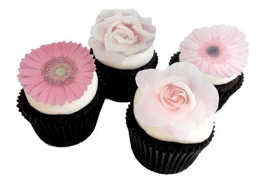 Gorgeous little flower cake toppers...you can even eat them!