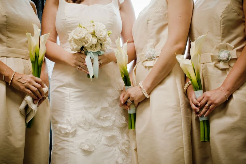 Bride and bridesmaids...love these colors and the calla bouquets!  Photo by Blue Wing Photos | http://bluewingphotos.com/