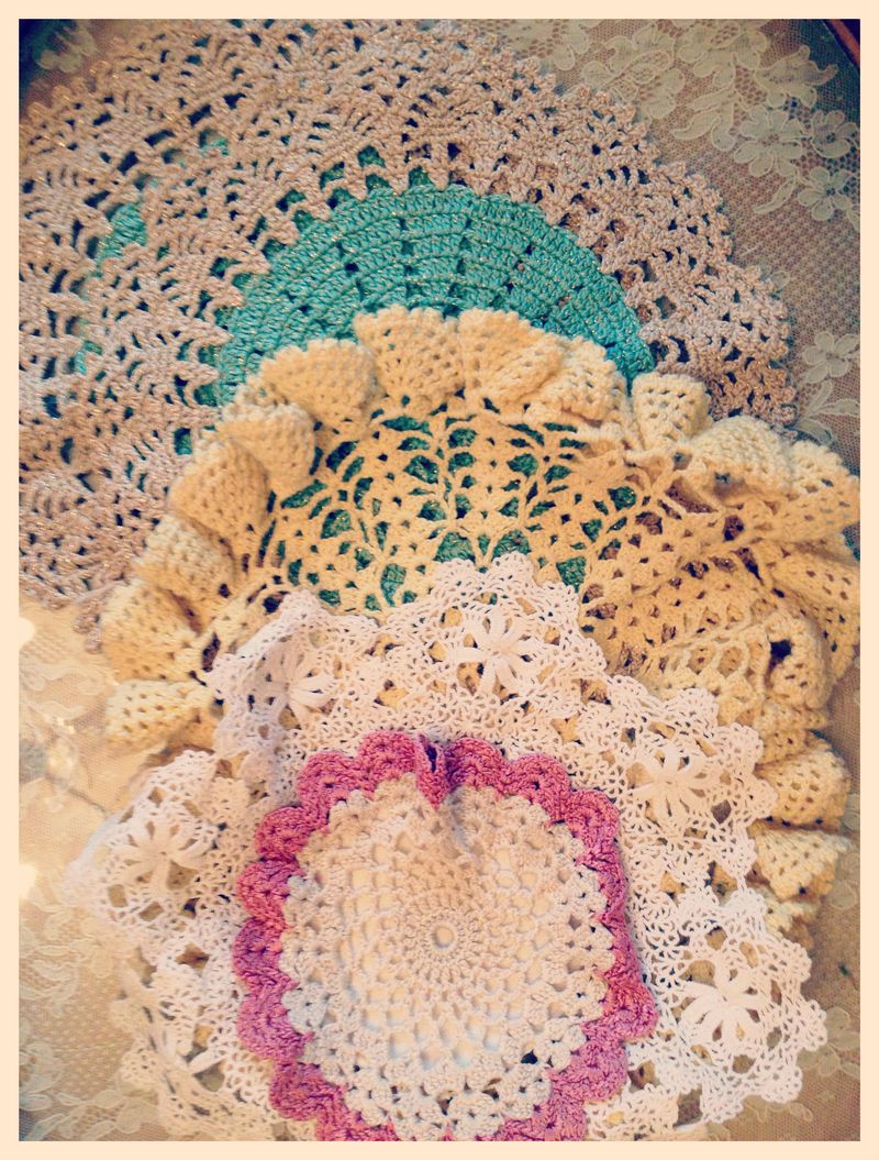 Vintage doilies...awesome colors!