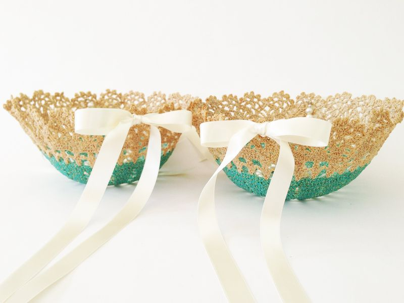 Sweet pair of vintage doily flower girl baskets in the perfect shade of vintage aqua blue.